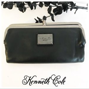 Kenneth Cole Bags - Kenneth Cole Wallet